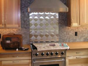 Kitchen Hoods & Trim